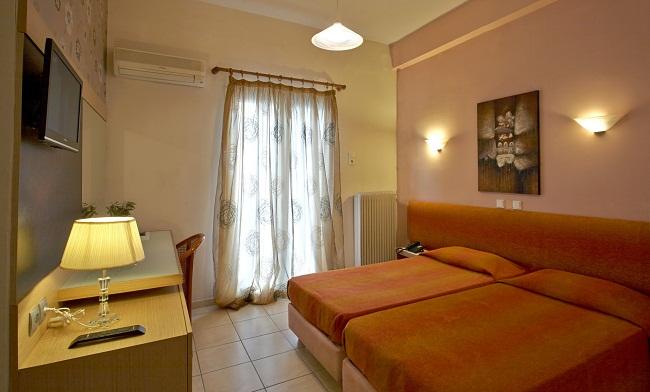 ΚΑΛΑΜΠΑΚΑ: HOTEL REX