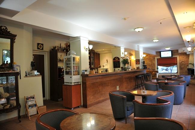 ΚΑΛΑΜΠΑΚΑ: EDELWEISS HOTEL