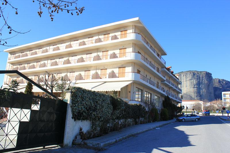 ΚΑΛΑΜΠΑΚΑ: HOTEL ORFEAS