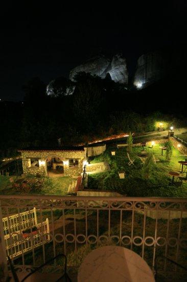 ΚΑΛΑΜΠΑΚΑ: EPAVLIS SUITES